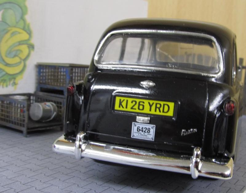 Austin FX4 London Taxi (Revell 1 zu 24) Img_3259