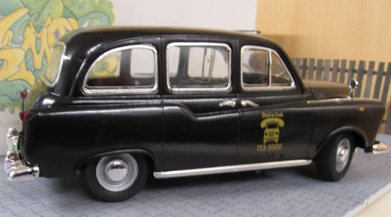 Austin FX4 London Taxi (Revell 1 zu 24) Img_3260