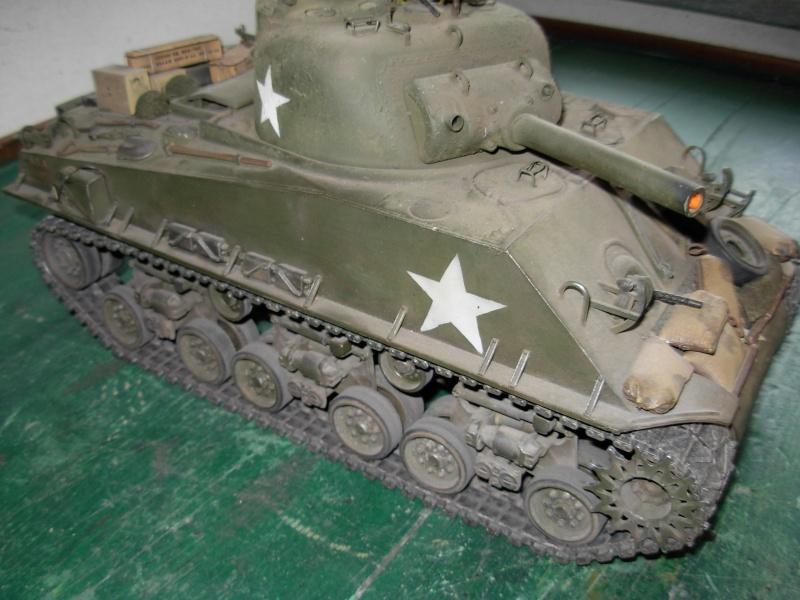 Sherman M4  105 mm Tamiya - Restyling totale Dscn0023