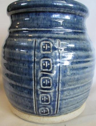 Pot with division marks Myster13