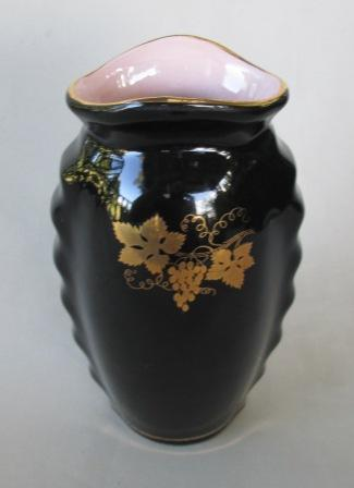 Titian PV.109, SB.200, titian arcanthus wall vase for Gallery Pv_10911