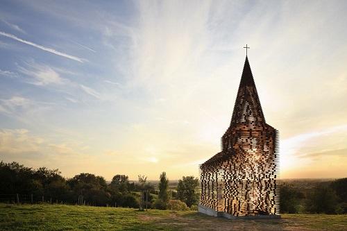 Iglesia transparente