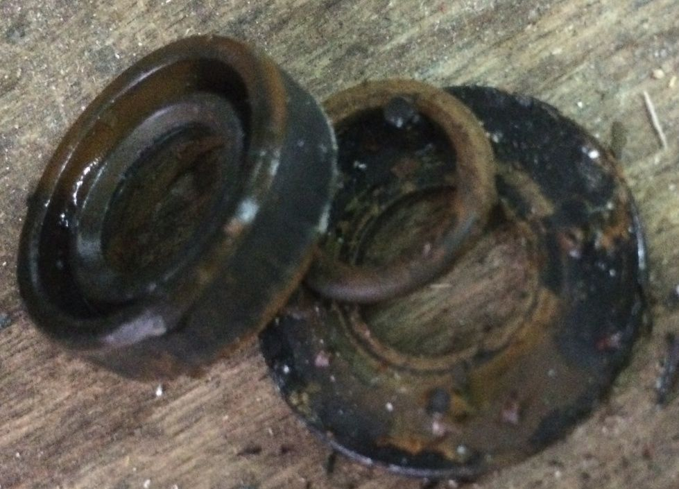 Question mécanique moteur : fuite pompe à eau de mer - Page 2 Captur10