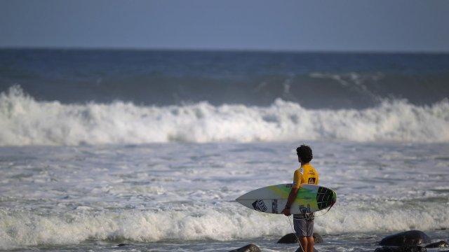 Recherche jeunes surfeurs pour faire du cinéma Surf10