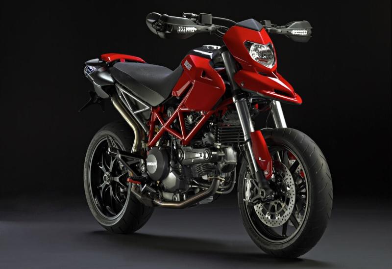 Parliamo di moto e scooter - Pagina 3 Ducati10