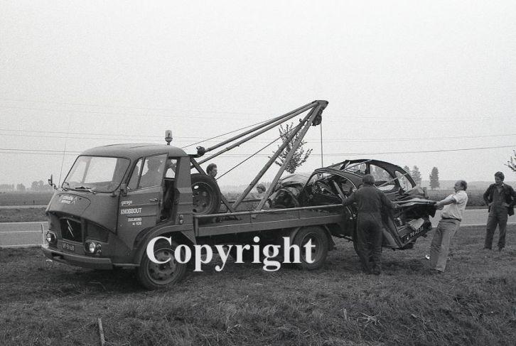 Photos d'époque de camions Citroën - Page 28 Takel10