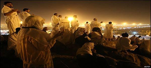 لماذا تشهد أعضاء العبد عليه يوم القيامة وقد قامت الحجة عليه بكتابة الملكين ؟ 2012-117