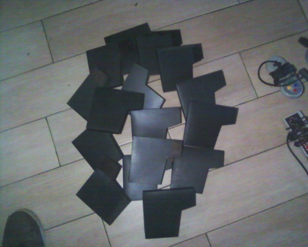 (VDS) un lot boui boui (manettes Nes,Snes,N64,15 boitiers Nes)  Photos34