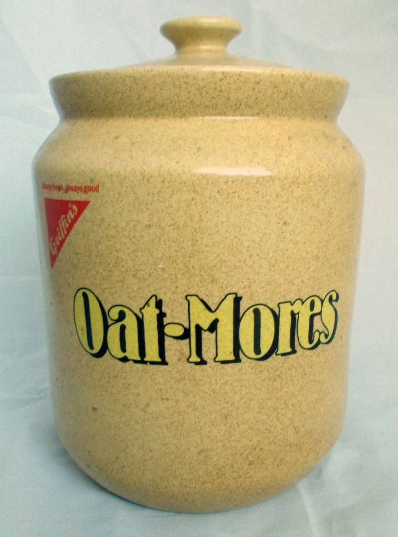 Is this Griffins Oat-Mores very big biscuit jar made by Orzel? Dscn6816