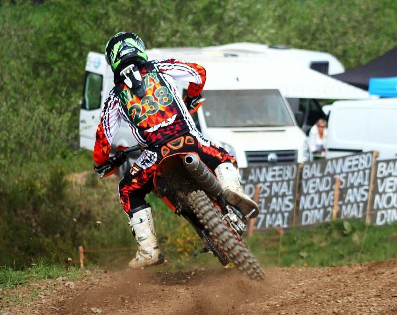 Motocross Cherain - jeudi 14 mai 2015 ... - Page 5 11227910
