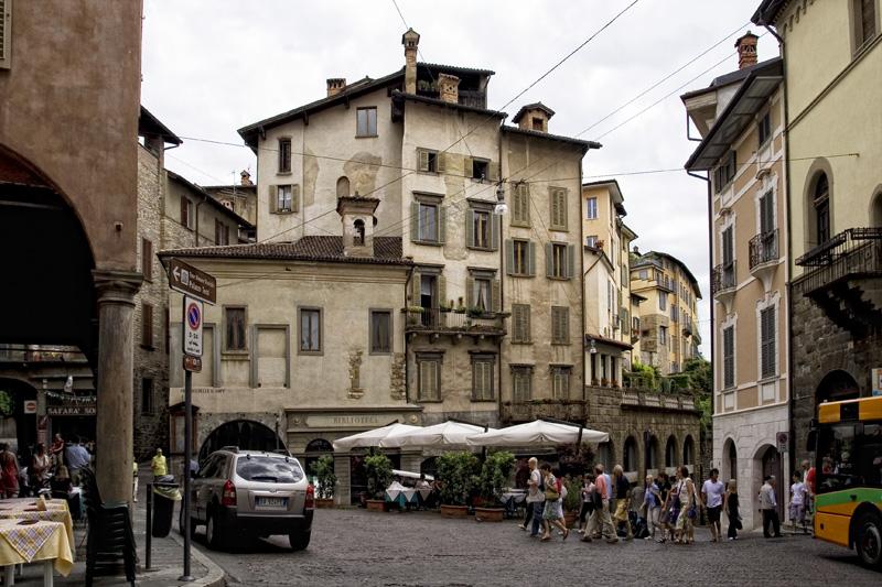 Bergamo - una città da conoscere Piazza10