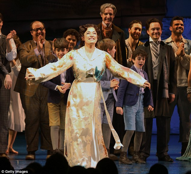 LAURA MITCHELLE GARY BARLOW : The musical Finding Neverland, 279f4710
