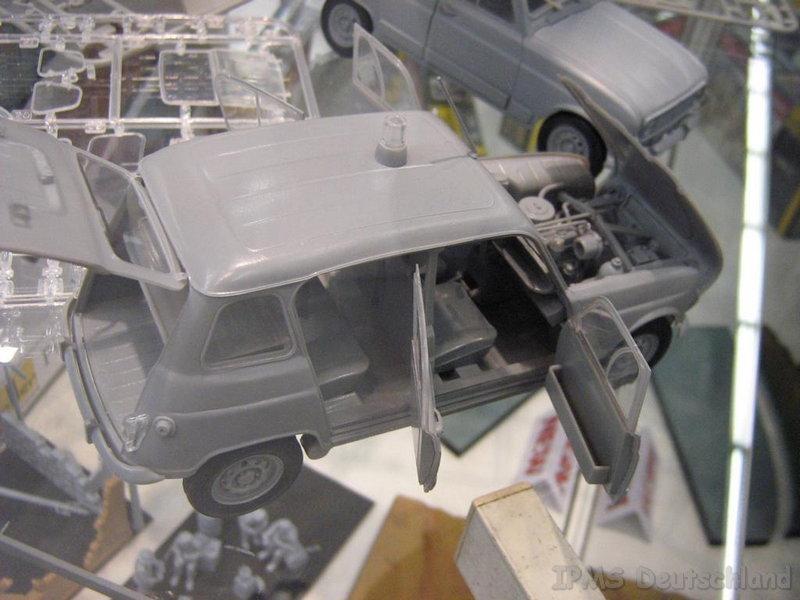 Renault 4 L 1/24 - Page 2 Heller10