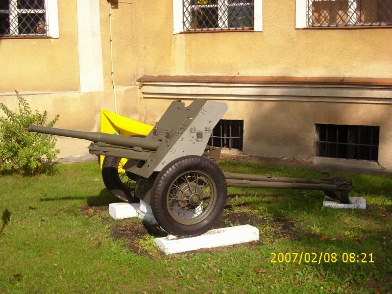 Lebuser Militärmuseum in Drzonów, Polen K800_d63