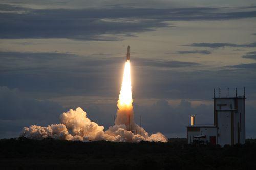 Lancement Ariane 5 ECA VA223 / DirecTV-15 + SkyMexico 1 - 27 mai 2015 - Page 4 2015-014