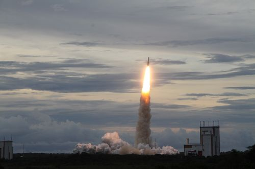Lancement Ariane 5 ECA VA223 / DirecTV-15 + SkyMexico 1 - 27 mai 2015 - Page 4 2015-015
