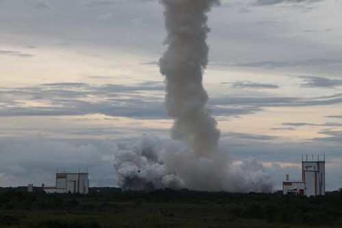 Lancement Ariane 5 ECA VA223 / DirecTV-15 + SkyMexico 1 - 27 mai 2015 - Page 4 2015-019