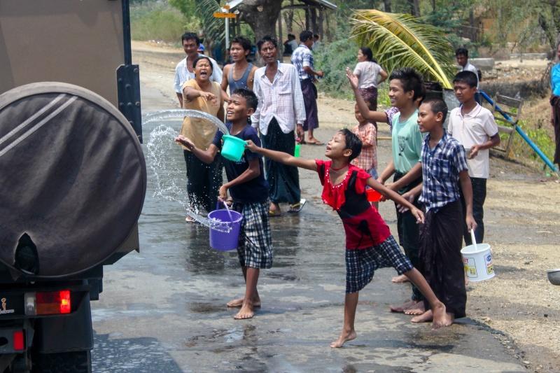 Passage de notre 27ème frontière le 07.04.2015. Myanma11