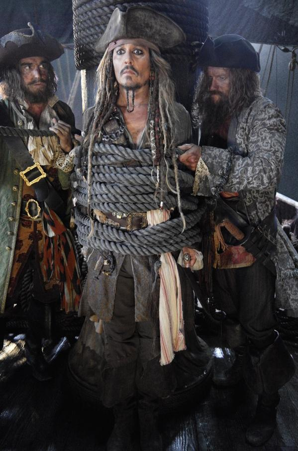Pirates of the Caribbean: Dead Men Tell No Tales (2017,Joachim Rønning) Cdikwv10