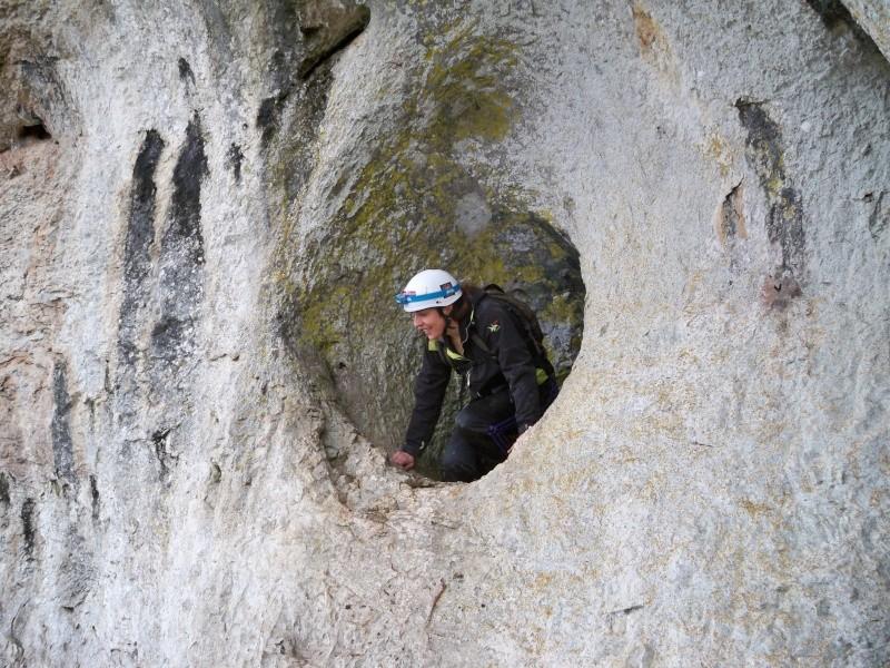 Espeleología: sábado 25 de abril 2015 - Cueva del Asno (Soria)  100_9811