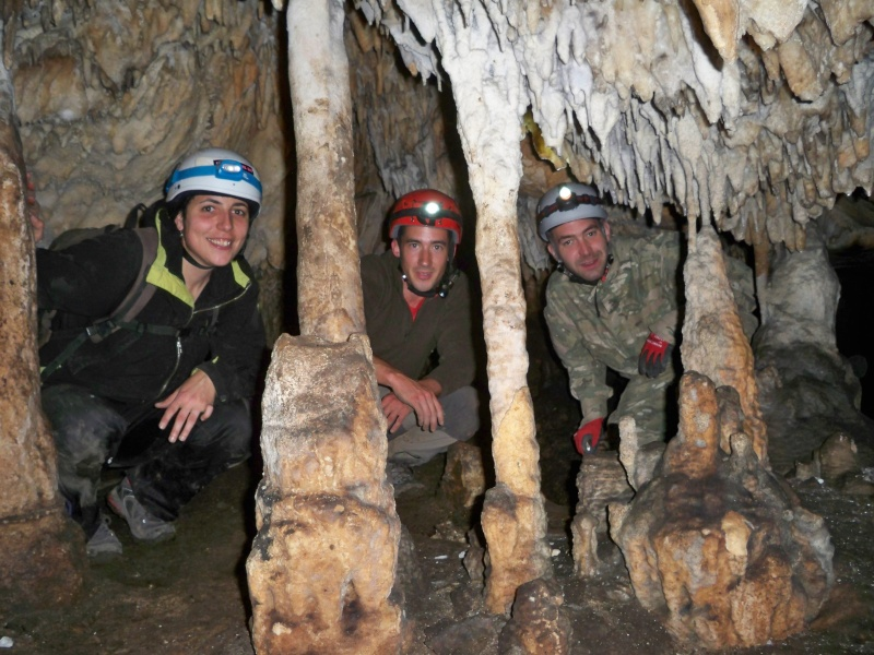 Espeleología: sábado 25 de abril 2015 - Cueva del Asno (Soria)  100_9816
