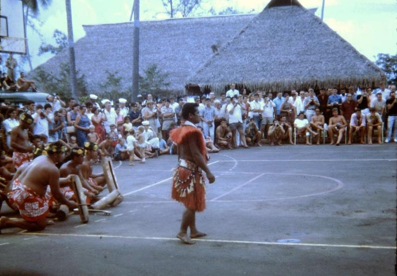 [Campagne C.E.P.] Tahiti en 1968 - Page 3 Danses10