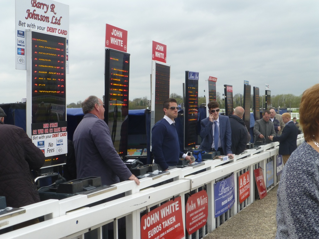At the Races 01912
