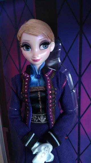 Disney Store Poupées Limited Edition 17'' (depuis 2009) - Page 6 Dsc_0060
