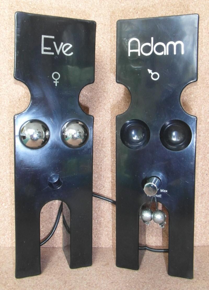 Adam and Eve transistor radio 1977 Sam_4710