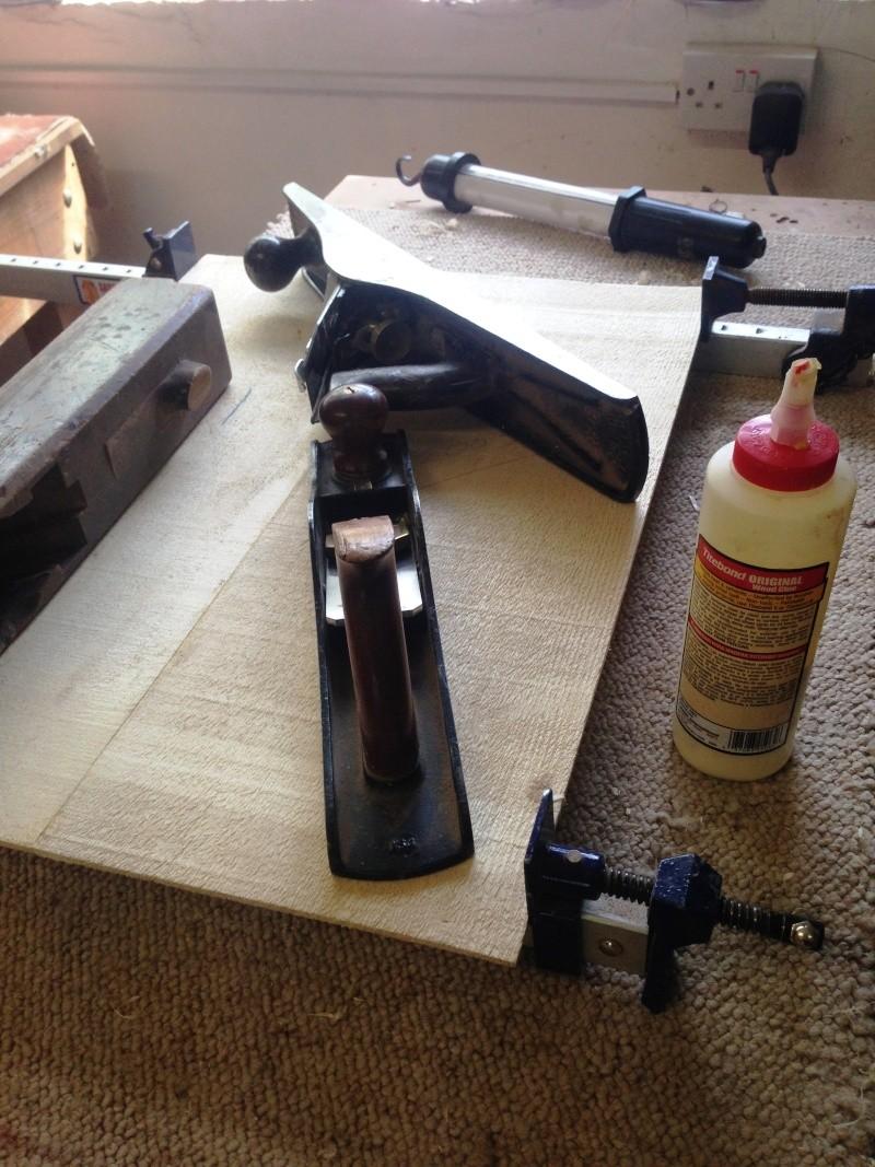 construction d une guitare blanca Collag11