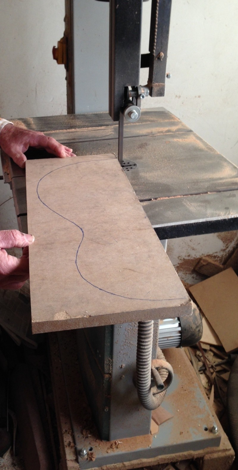 construction d une guitare blanca Cuttin10