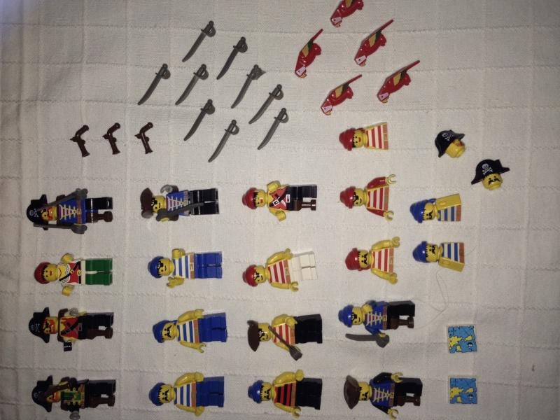 Lego set personaggi Gendarmi, Pirati e Oropacos Img_6118