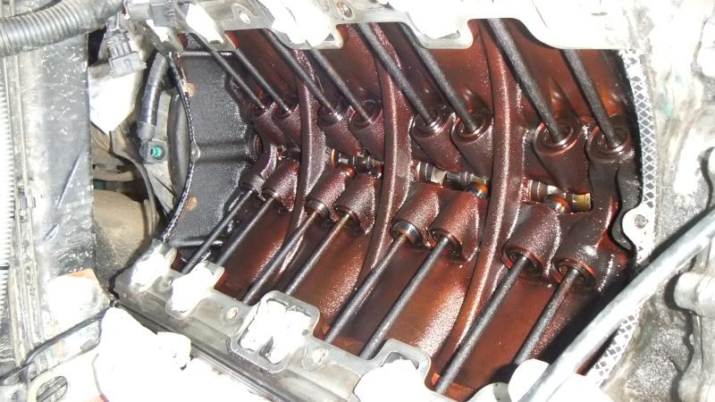 fuite d'huile...remplacement joint d'étanchéité - Couvercle avant (chaîne de distribution) V8 4.6 à partir AM99 Dscf0013