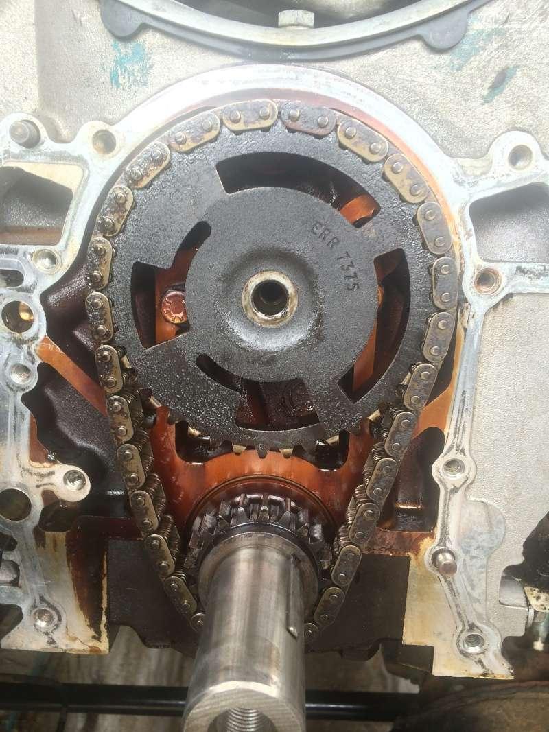 fuite d'huile...remplacement joint d'étanchéité - Couvercle avant (chaîne de distribution) V8 4.6 à partir AM99 Img_8213