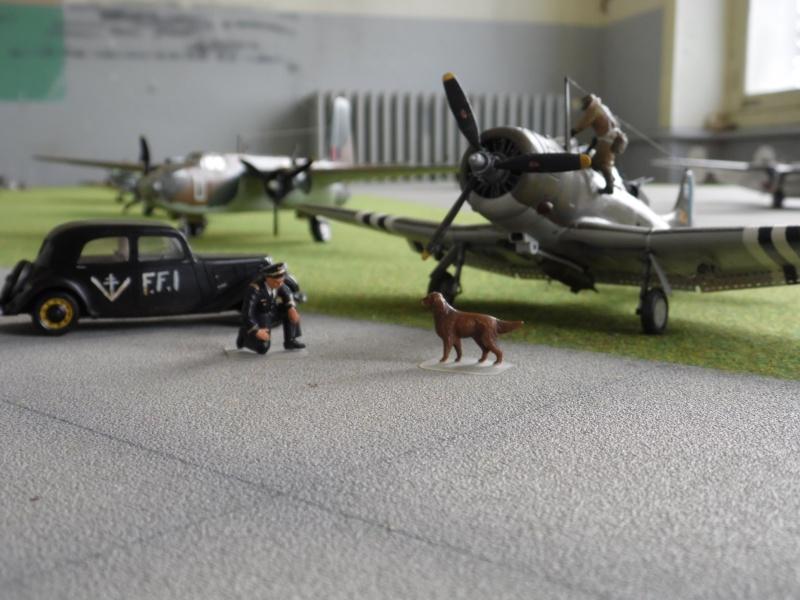 """Douglas A-24 Banshee du 1/18 """"vendée"""" (projet AA) Sam_0594"""