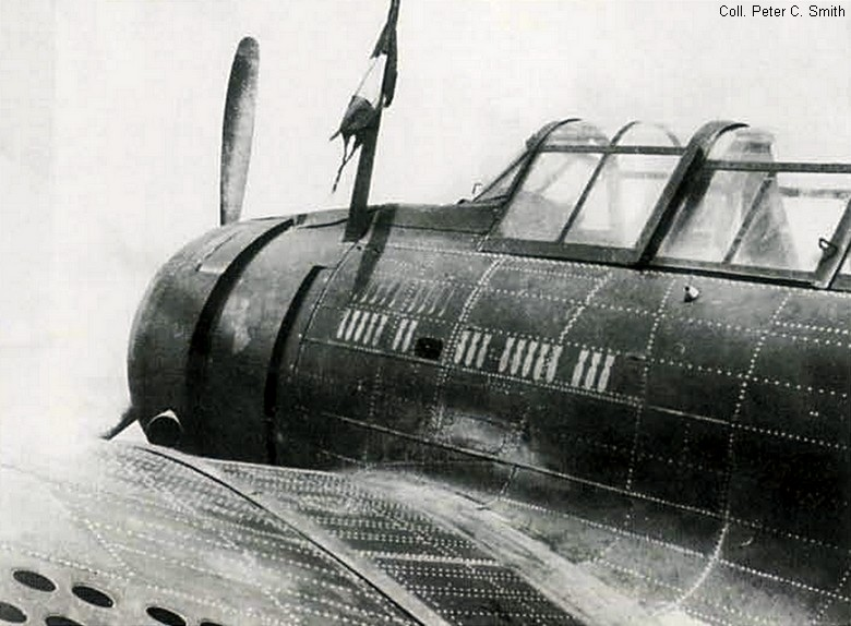 "Douglas A-24 Banshee du 1/18 ""vendée"" (projet AA) Scan0010"