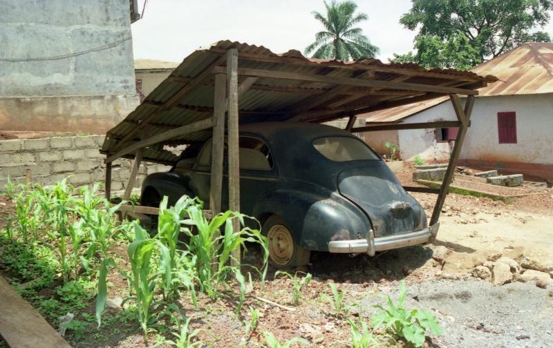 Dioramas de voitures anciennes et épaves Bangan10