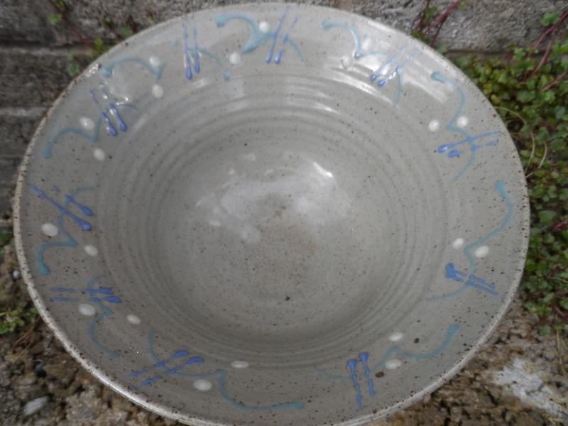 Slipware pottery bowl for identification help??? Sam_2711