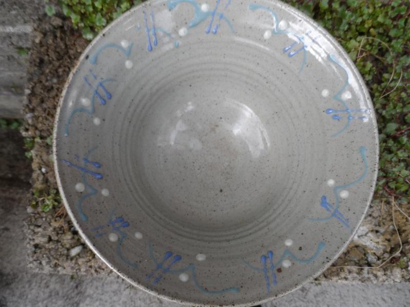 Slipware pottery bowl for identification help??? Sam_2810