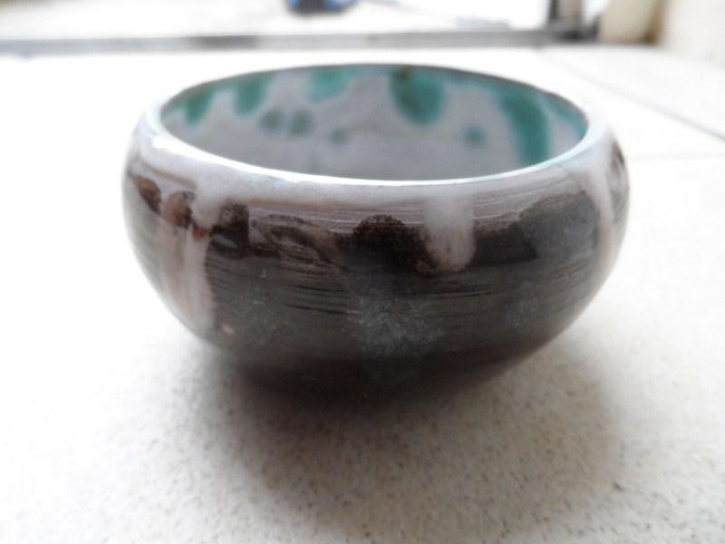 Terracotta bowl with Tenmoku glaze i.d Sam_3210