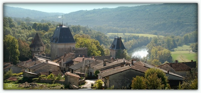 Château de la ceuille hammeau de Poncin; A_991710