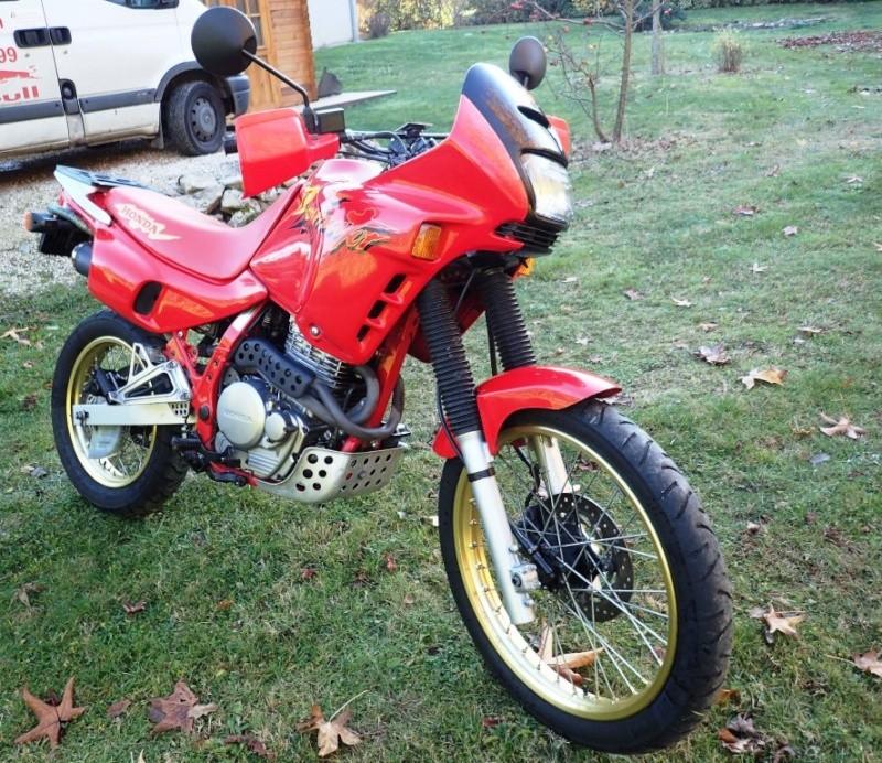 Une autre Honda Dominator Pc210011