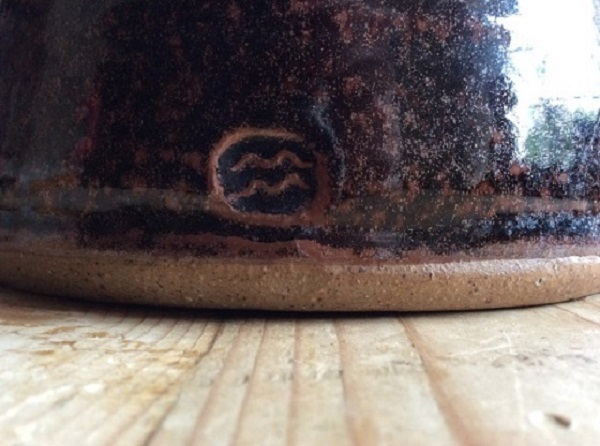 help to identify this studio pottery tenmoku glaze large jug  Img_0110