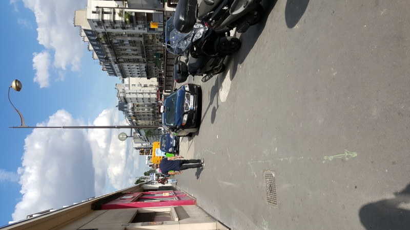 PV pour stationnement sur trottoir à Paris 20150510