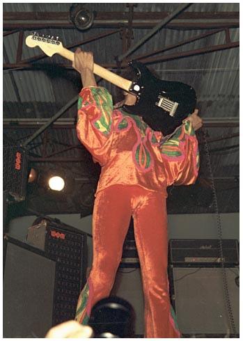 Blue Wild Angel: Jimi Hendrix Live At The Isle Of Wight (2002) 1970-032