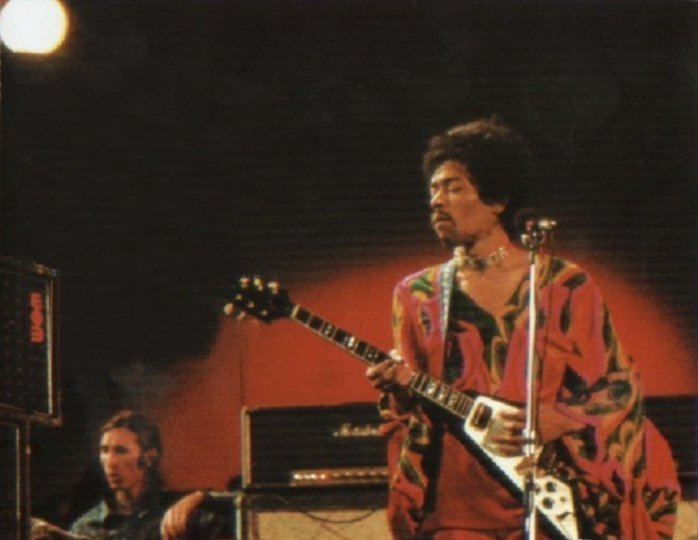 Blue Wild Angel: Jimi Hendrix Live At The Isle Of Wight (2002) Coffre10