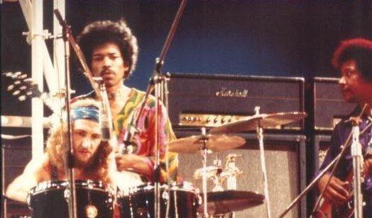 Blue Wild Angel: Jimi Hendrix Live At The Isle Of Wight (2002) Iofwig10