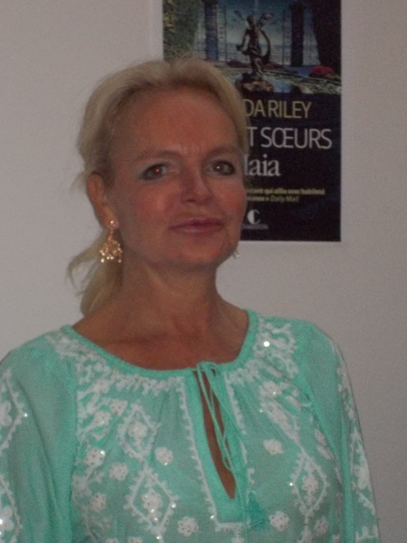 Rencontre avec Lucinda Riley - PARIS, le 9 avril 2015 Dscn0810