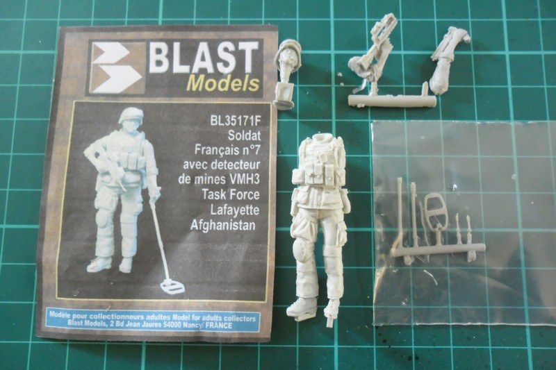 "Opération ""Serval"" figurines Blast Model  Décals FFMSC Prod. 1/35 (trio terminé)  Fig110"