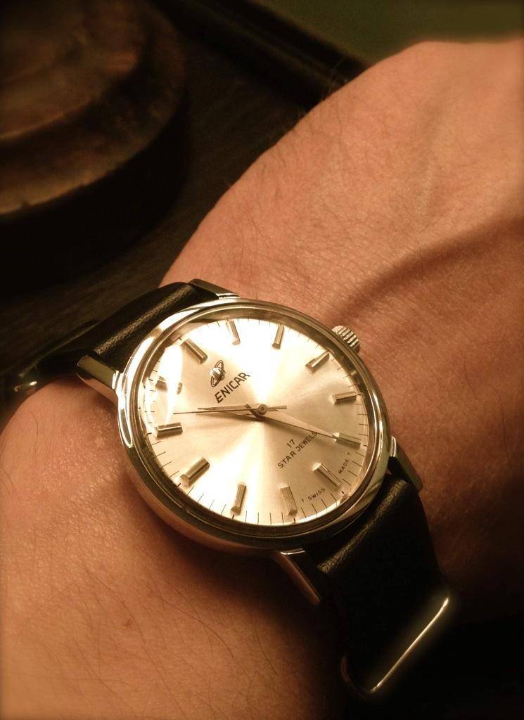 Votre montre du jour - Page 5 Enicar10